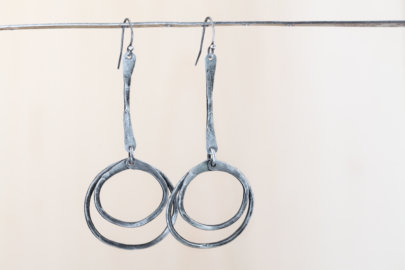 double-happiness-rustic-dangle-hoop-earrings-hammered-steel-iron-dirtypretty-artwear-3-2