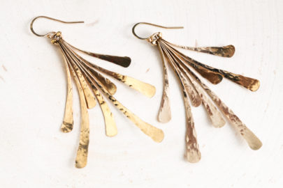 flash-rustic-handcrafted-fan-earrings-hammered-gold-dirtypretty-artwear-7