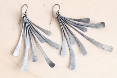 flash-rustic-handcrafted-fan-earrings-hammered-steel-iron-dirtypretty-artwear-2