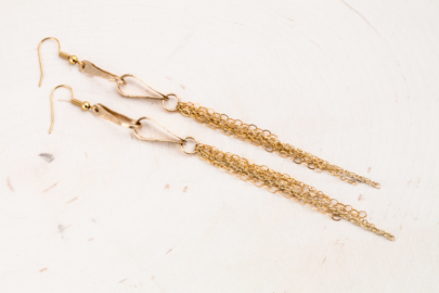 foxy-fringe-chain-drop-earrings-hammered-gold-dirtypretty-artwear-1