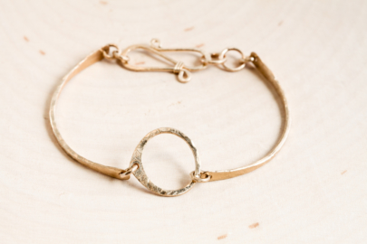 simple-zen-circle-handmade-small-circle-bracelet-hammered-gold-dirtypretty-artwear-2