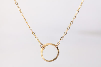 simple-zen-circle-rustic-minimalist-circle-necklace-hammered-gold-dirtypretty-artwear-2-2