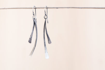 small-feather-rustic-handcrafted-dangle-earrings-hammered-steel-iron-dirtypretty-artwear-2
