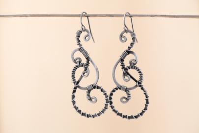 twisted-teardrop-wire-wrapped-teardrop-earrings-hammered-steel-iron-dirtypretty-artwear-5