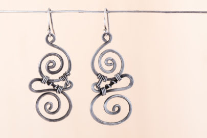 whimsy-rustic-handcrafted-spiral-earrings-hammered-steel-iron-dirtypretty-artwear-4